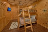 Premium cabin with Queen bunk beds for 4 guests