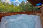 5 bedroom luxury cabin with hot tub and TV