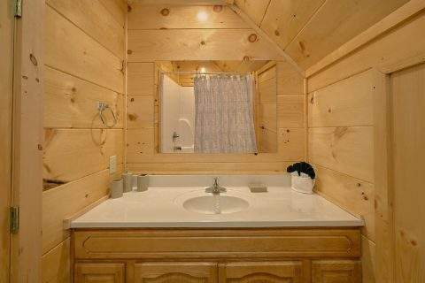 Private Master Bathroom in 5 bedroom cabin - A Mountain Palace