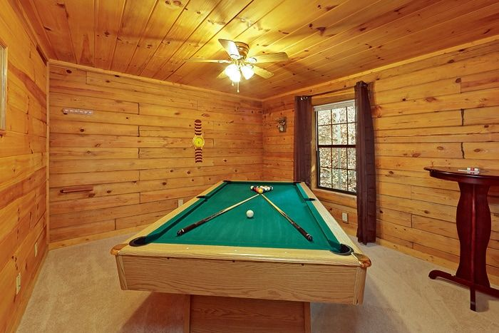 1 Bedroom Cabin with a Pool Table - A Peaceful Getaway