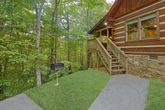 2 bedroom cabin with grill and hot tub