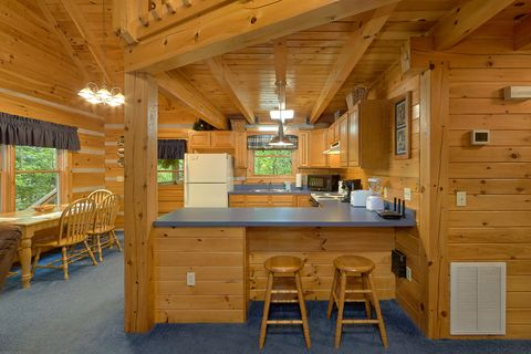 2 Bedroom cabin with full kitchen - A Peaceful Retreat
