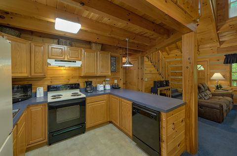 Secluded 2 bedroom cabin with full kitchen - A Peaceful Retreat