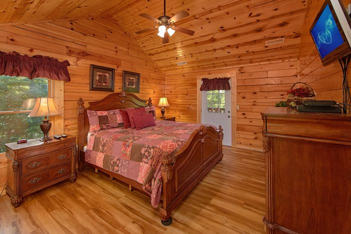 Private Master Suite with King Bed and Bathroom - A Perfect Stay