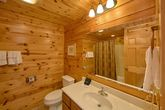 Luxury Cabin with 5 full bathrooms