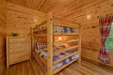 5 bedroom cabin with queen bunk beds