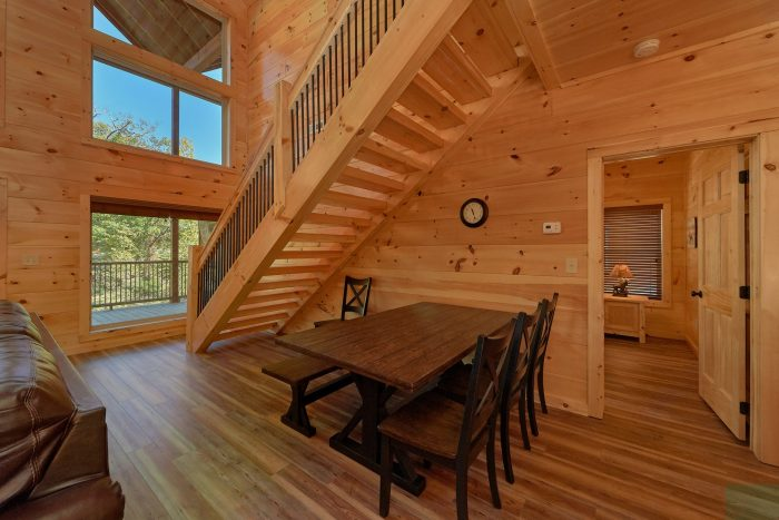3 Bedroom cabin with Dining room for 8 - A River Retreat