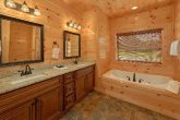 Private bathroom with Jacuzzi in 3 bedroom cabin