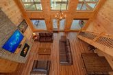 Spacious Luxury cabin that overlooks the River