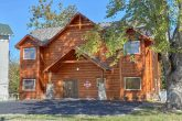 Premium 3 bedroom cabin with Pool and Theater