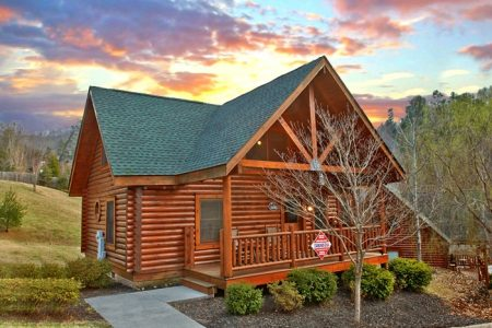 Smokie Hollow: 2 Bedroom Gatlinburg Cabin Rental