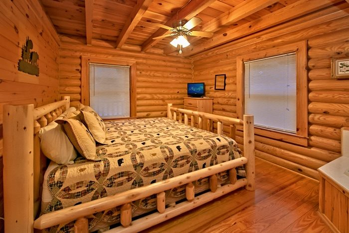 Pigeon Forge 2 Bedroom Cabin with 2 king beds - A Rocky Top Memory