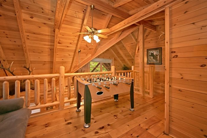 2 bedroom cabin with loft and fooseball game - A Rocky Top Memory