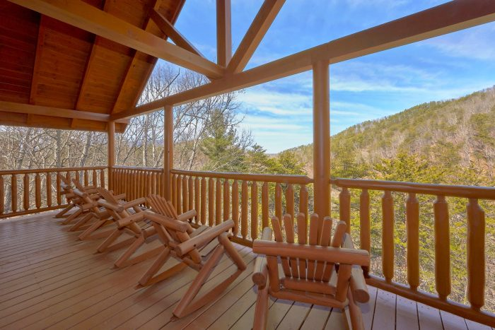 A Rocky Top Ridge Cabin Rental Photo