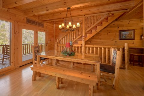 4 Bedroom Cabin Sleeps 14 - A Rocky Top Ridge