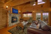 Spacious 1 Bedroom Cabin with Gas Fireplace