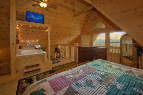 Spacious 1 Bedroom Cabin with TV - A Romantic Hilltop