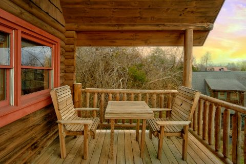 Rustic 1 Bedroom Cabin in Sevierville Sleeps 4 - A Romantic Hilltop