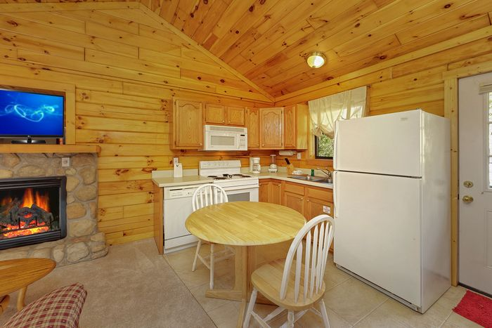 Fully Equipped Kitchen with Dining Table - A Romantic Retreat