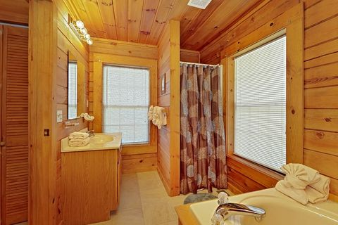 Pigeon Forge Cabin with Walk-in Shower - A Smoky Hideaway