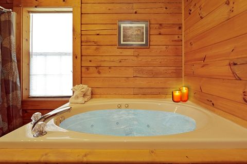 Smoky Mountain Cabin with Indoor Jacuzzi Tub - A Smoky Hideaway
