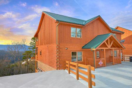 Poolside Lodge 2: 6 Bedroom Sevierville Cabin Rental