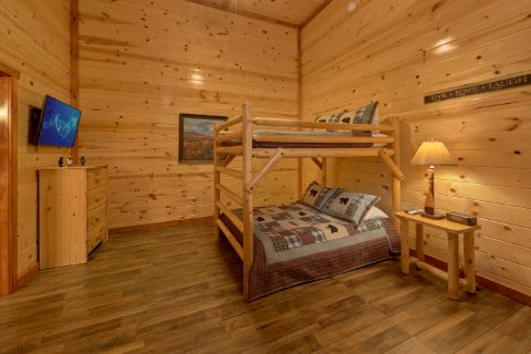 Full Bunk Beds with HD TV and Full Bathroom - A Smoky Mountain Dream