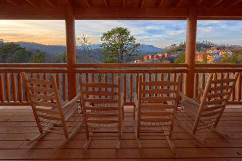 Luxury 6 Bedroom Cabin with Mountain View - A Smoky Mountain Dream