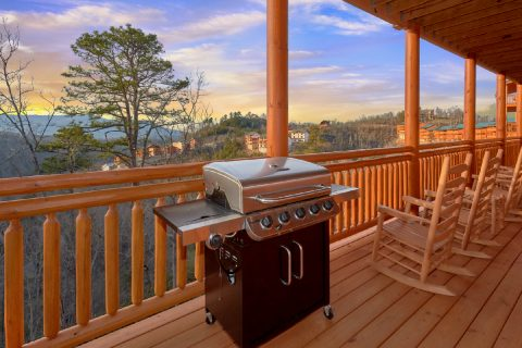 6 Bedroom Cabin with Gas Grill - A Smoky Mountain Dream