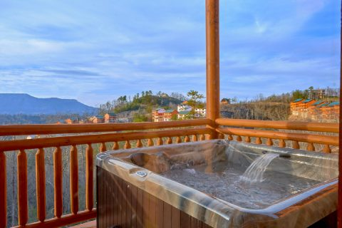 Spacious 6 Bedroom Cabin with Hot Tub - A Smoky Mountain Dream