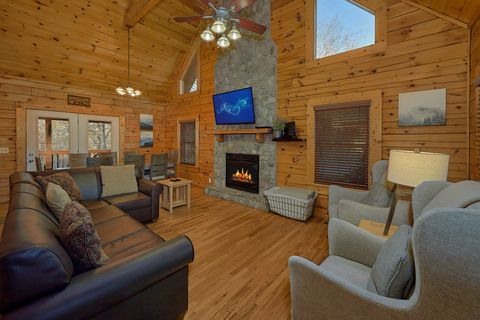 Cabin with Parking - A Smoky Mountain Experience