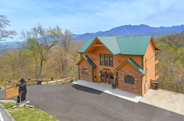 5 Bedroom Cabin with Luxurious Kitchen - A Spectacular View to Remember