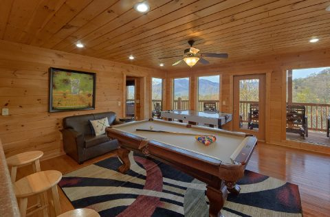 5 Bedroom Cabin with Pool Table and Game Room - A Spectacular View to Remember
