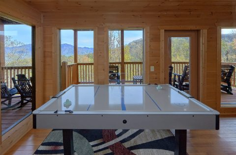 Luxury Gatlinburg Cabin with Air hockey game - A Spectacular View to Remember