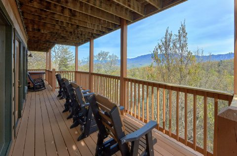 5 bedroom cabin with Rocking Chairs and Views - A Spectacular View to Remember