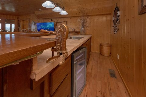 5 bedroom cabin with Kitchenette - A Stunning View