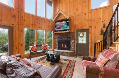 Rustic 3 Bedroom cabin with gas fireplace - A Tennessee Delight