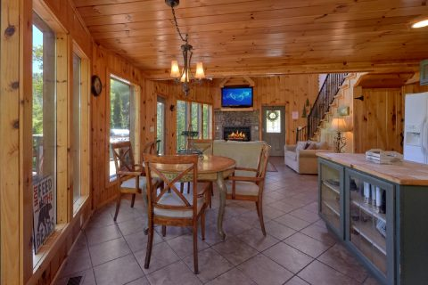 3 bedroom cabin with Dining room for 7 - A Tennessee Delight
