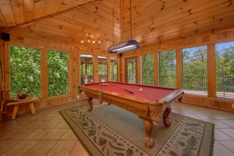 3 bedroom cabin with Pool Table and View - A Tennessee Delight