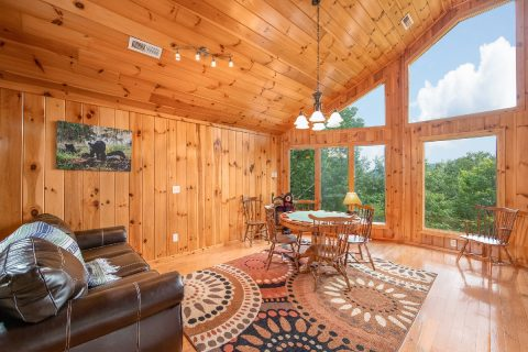 3 bedroom cabin with loft game room - A Tennessee Delight