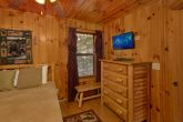 Rustic cabin with 2 queen bedrooms and baths
