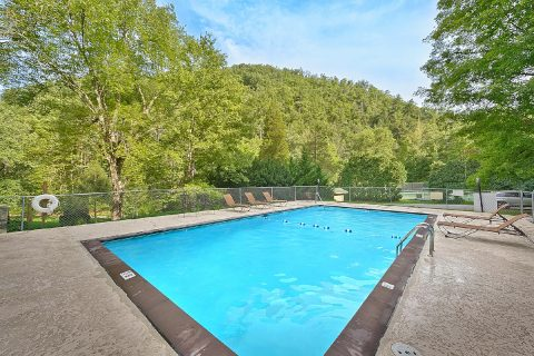3 bedroom cabin with Resort Swimming Pool - A Tennessee Delight