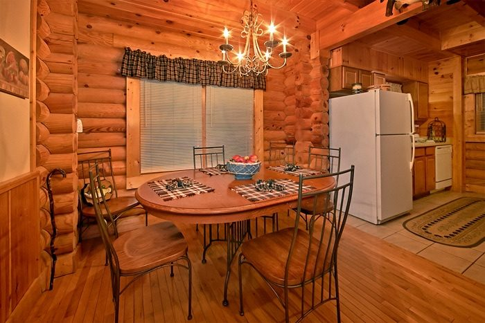 2 Bedroom Cabin with Dining Room and Kitchen - A Tennessee Twilight