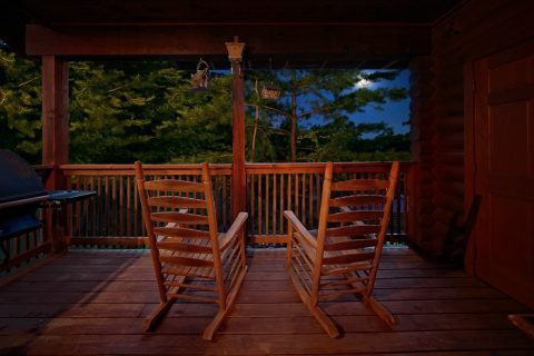 Resort Cabin with View and Swimming Pool Access - A Tennessee Twilight