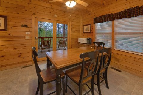 2 Bedroom cabin with Dining Room - A Twilight Hideaway