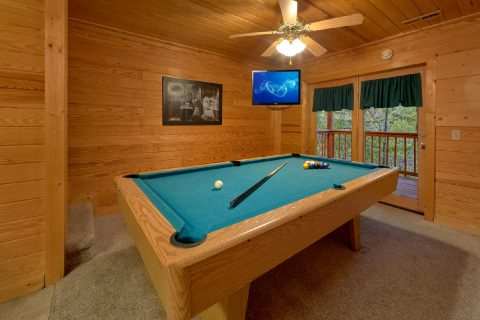 2 Bedroom cabin with Pool Table in Game Room - A Twilight Hideaway