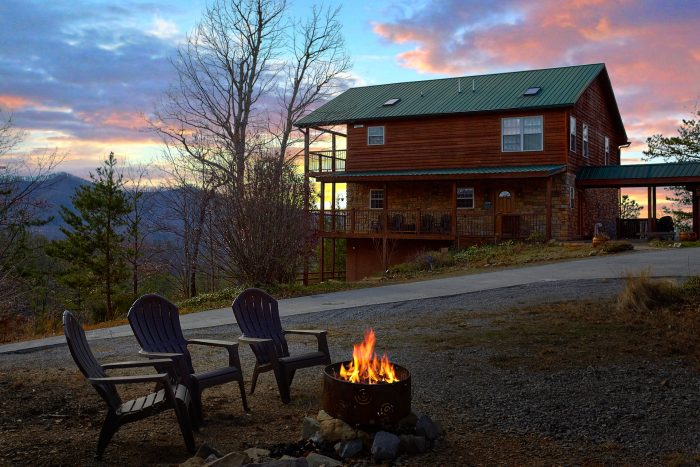 Wears Valley 5 Bedroom Cabin Sleeps 12 - A View For All Seasons
