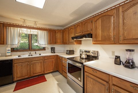 Full kitchen in 3 bedroom vacation rental - A View of Paradise