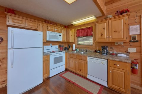 2 Bedroom Cabin with Fully Equipped Kitchen - A Wolf's Den