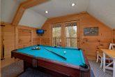 2 Bedroom Cabin with Pool Table Sleeps 7